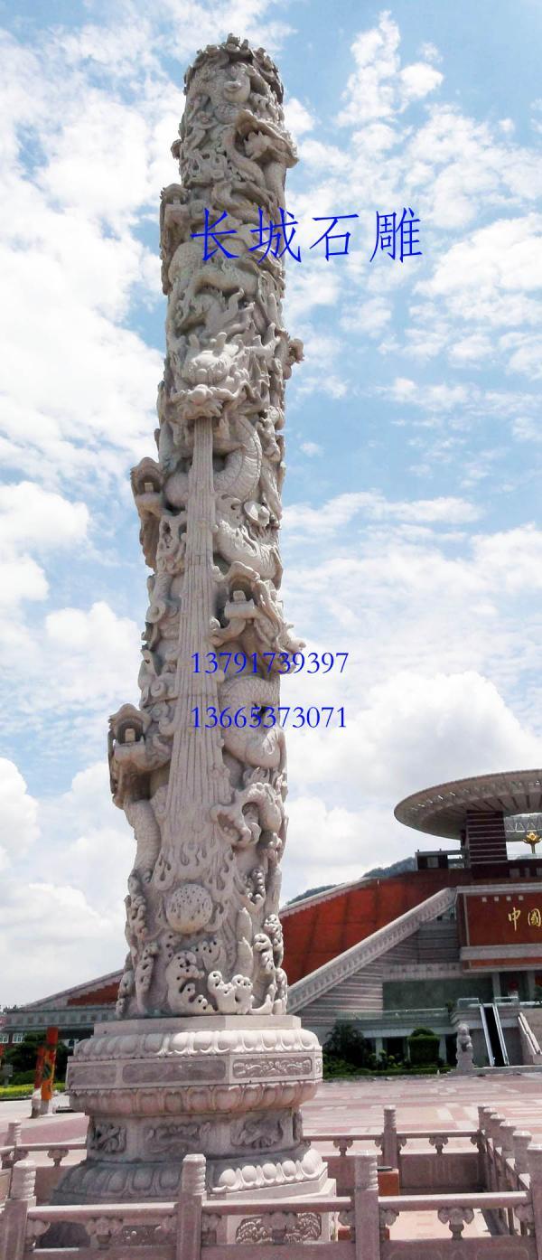 一个好的建筑设计师喜欢在自己的作品中加入石雕龙柱元素了。