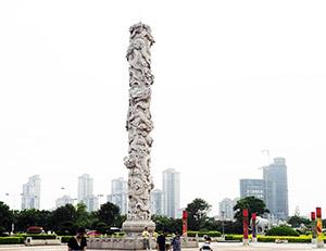 大型龙柱雕刻