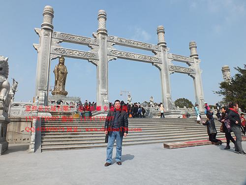 石雕山门石牌坊_跨越千年的历史建筑